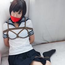 No.00617 Bondage Class #2 Yuuの美少女セーラー服緊縛画像です。 後高手小手縛り 屈脚固定 布猿轡