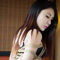No.00601 Good Figure #2 黒い下着美少女は縛り写真をとた。縄下着と後高手小手縛り