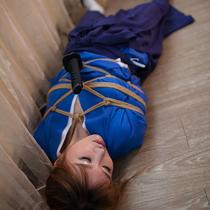 No.00627 Female swordsman #2 捕まえたなこの女剣士を、しかしどんな罰を与えるね、着衣緊縛画像を撮っていいですか?