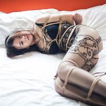 No.00690 Sexy Lingrie #2  Minamiちゃんまだピンピンしてる、彼女とってこれくらいの緊縛はぜんぜん大丈夫です、ならば一本縛り追加しよ!